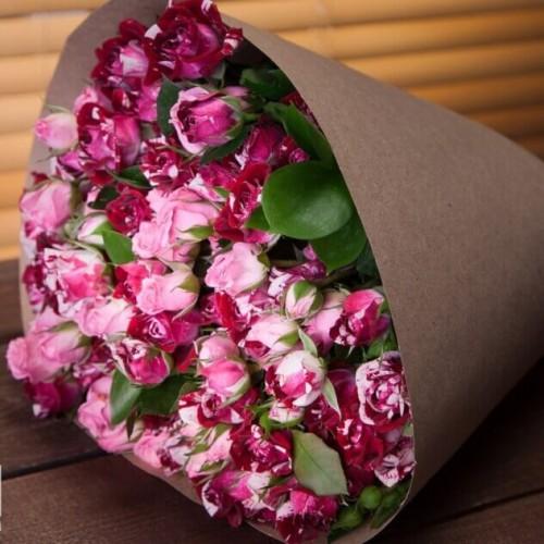 Букет из кустовых роз Ренессанс