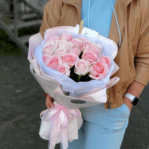 Букет из 19 роз Рандеву