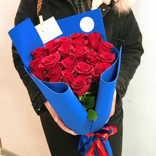 Букет из 21 красной розы Шик