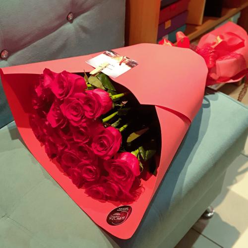 Букет из 21 красной розы Фуоко