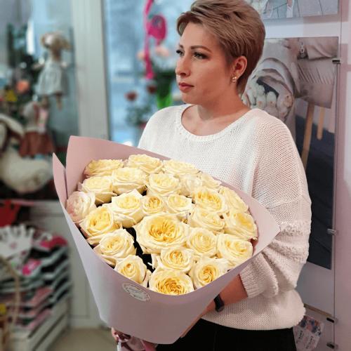 Букет из 25 белых роз Gelato
