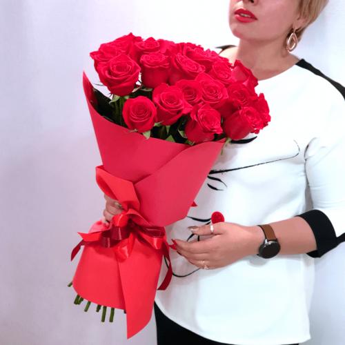 Букет из 25 красных роз Calore