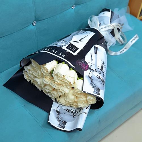 Букет из 21 белой розы Стиль